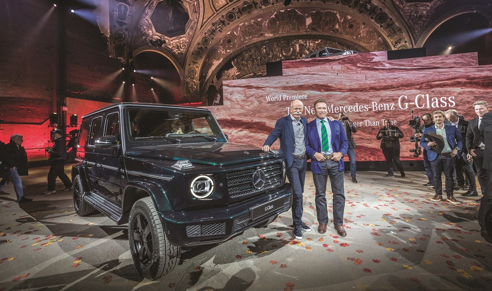 Mercedes-Benz Neujahrsempfang am Vorabend der North American International Auto Show (NAIAS) 2018 und Weltpremiere der neuen Mercedes-Benz G-Klasse. Dr. Dieter Zetsche, Vorstandsvorsitzender der Daimler AG und Leiter Mercedes-Benz Cars, und Arnold Schwarzenegger, Hollywood Schauspieler und Ex- Gouverneur Kalifornien stellen die neue Mercedes-Benz G-Klasse vor. Mercedes-Benz New Year's Reception on the eve of the 2018 North American International Auto Show (NAIAS) and World Premiere of the new Mercedes-Benz G-Class. Dr. Dieter Zetsche, Chairman of the Board of Management of Daimler AG and Head of Mercedes-Benz Cars, and Arnold Schwarzenegger, Hollywood Actor and former Governor of California, presenting the Mercedes-Benz G-Class.