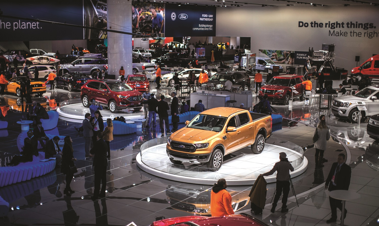 "The Ford stand the 2018 North American International Auto Show was  buzzing Monday morning, a day after the automaker showed members of the media the all-new Edge ST performance SUV, the all-new Ranger pickup truck, and the all-new Mustang BULLITT, which appeared on stage alongside the 1968 Mustang GT driven by Steve McQueen in the movie ""Bullitt."""