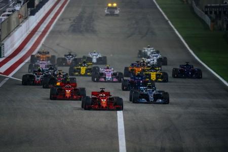 Vznemirljiva nočna dirka v Bahrajnu
