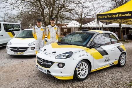Opel z reli ekipo Novak/Ocvirk na državno reli prvenstvo