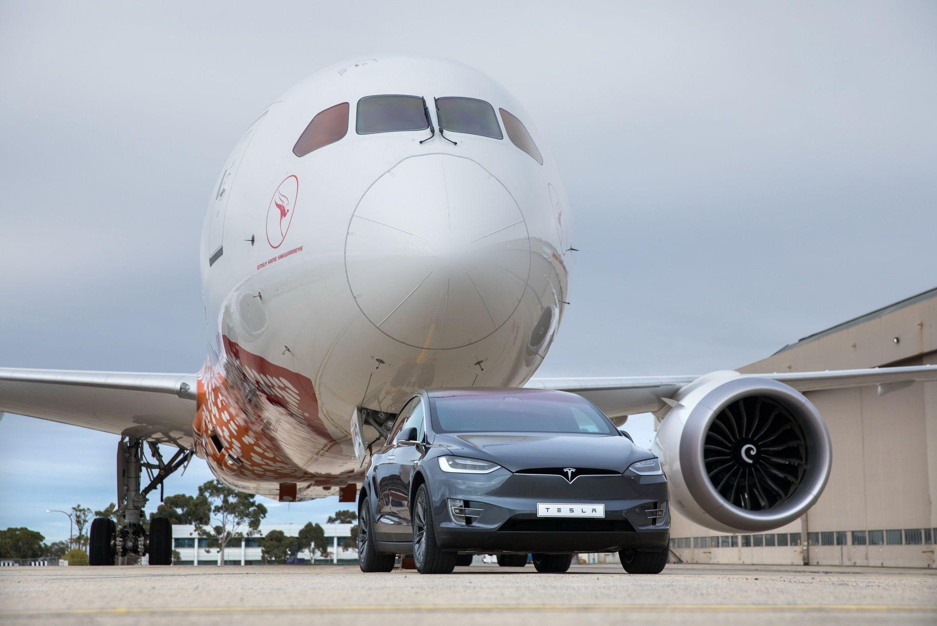 qantas-boeing-787-9-tesla-model-x-8