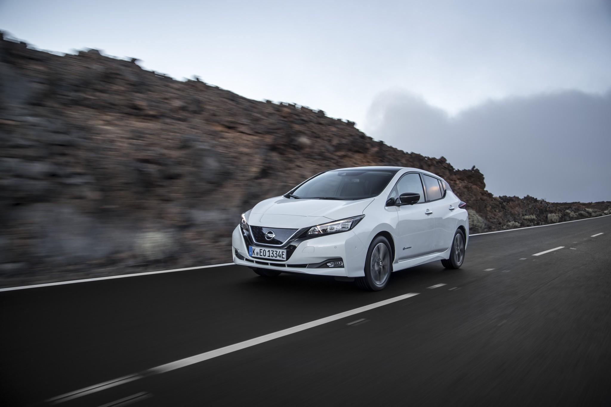 426220841_New_Nissan_LEAF
