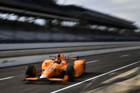 Alonso gre na trojno krono