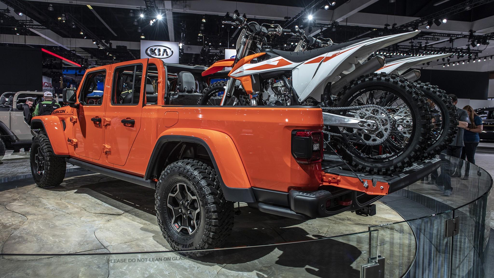 2020-jeep-gladiator-1