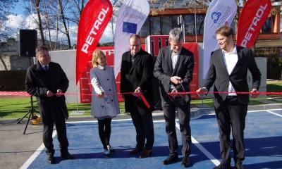 Petrol odprl prvo javno vozlišče za hitro polnjenje