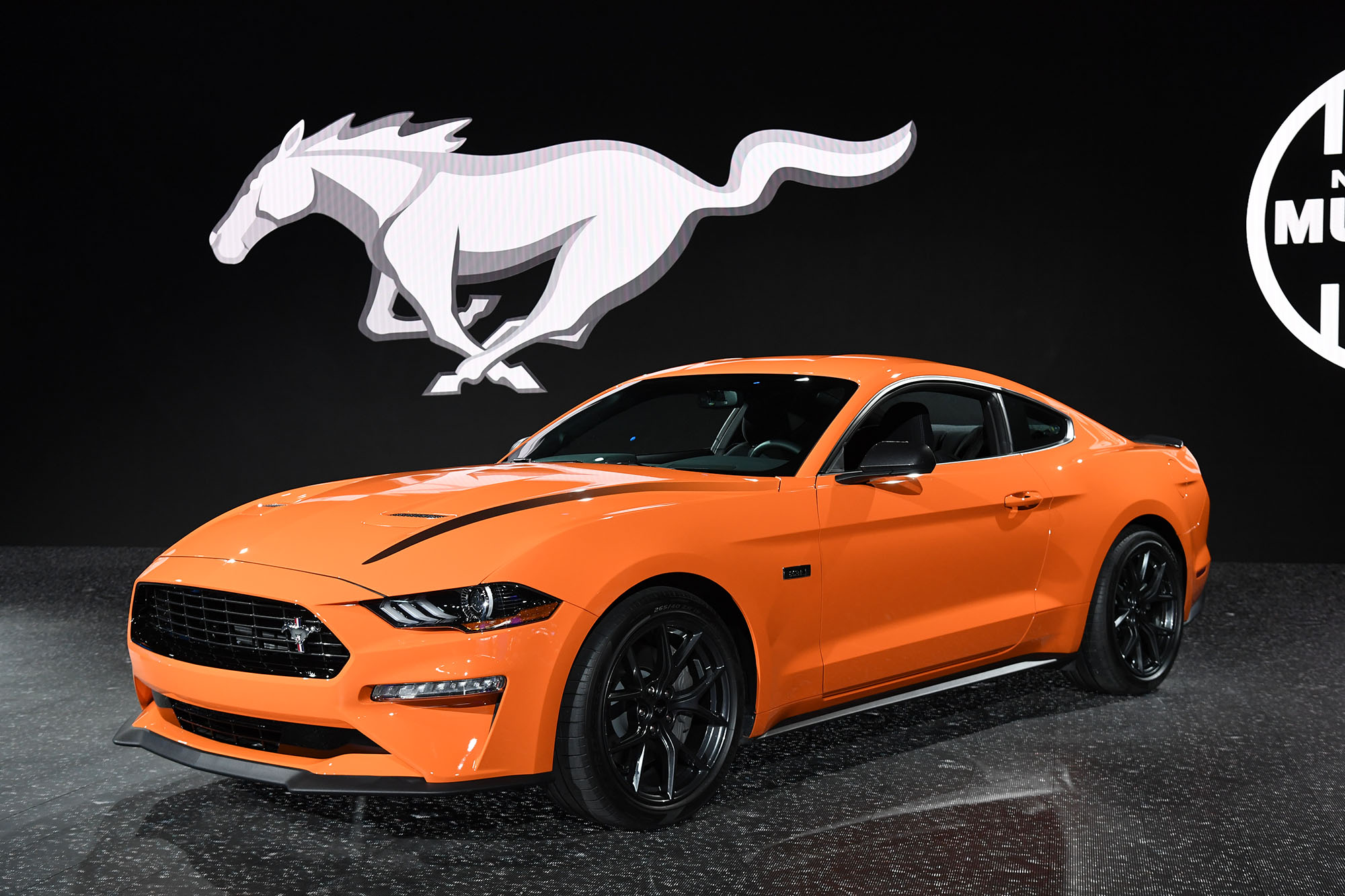FORD_MUSTANG_ECOBOOST_ORANGE_RESIZED