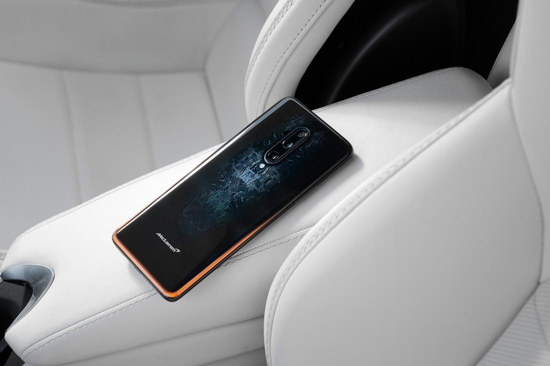 Small-11371-OnePlus-7T-Pro-McLaren-Edition