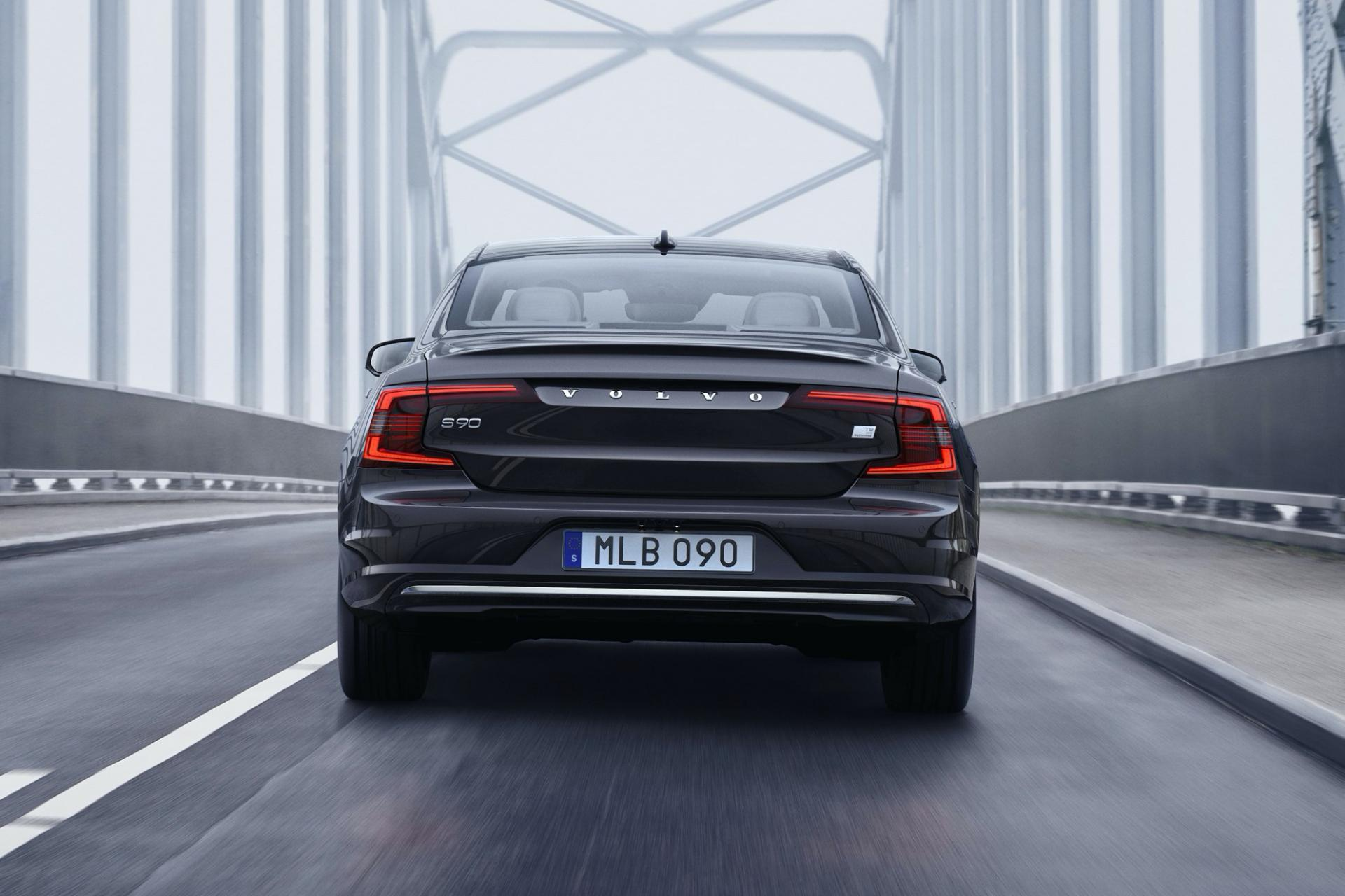 2021-Volvo-S90-V90 (1)
