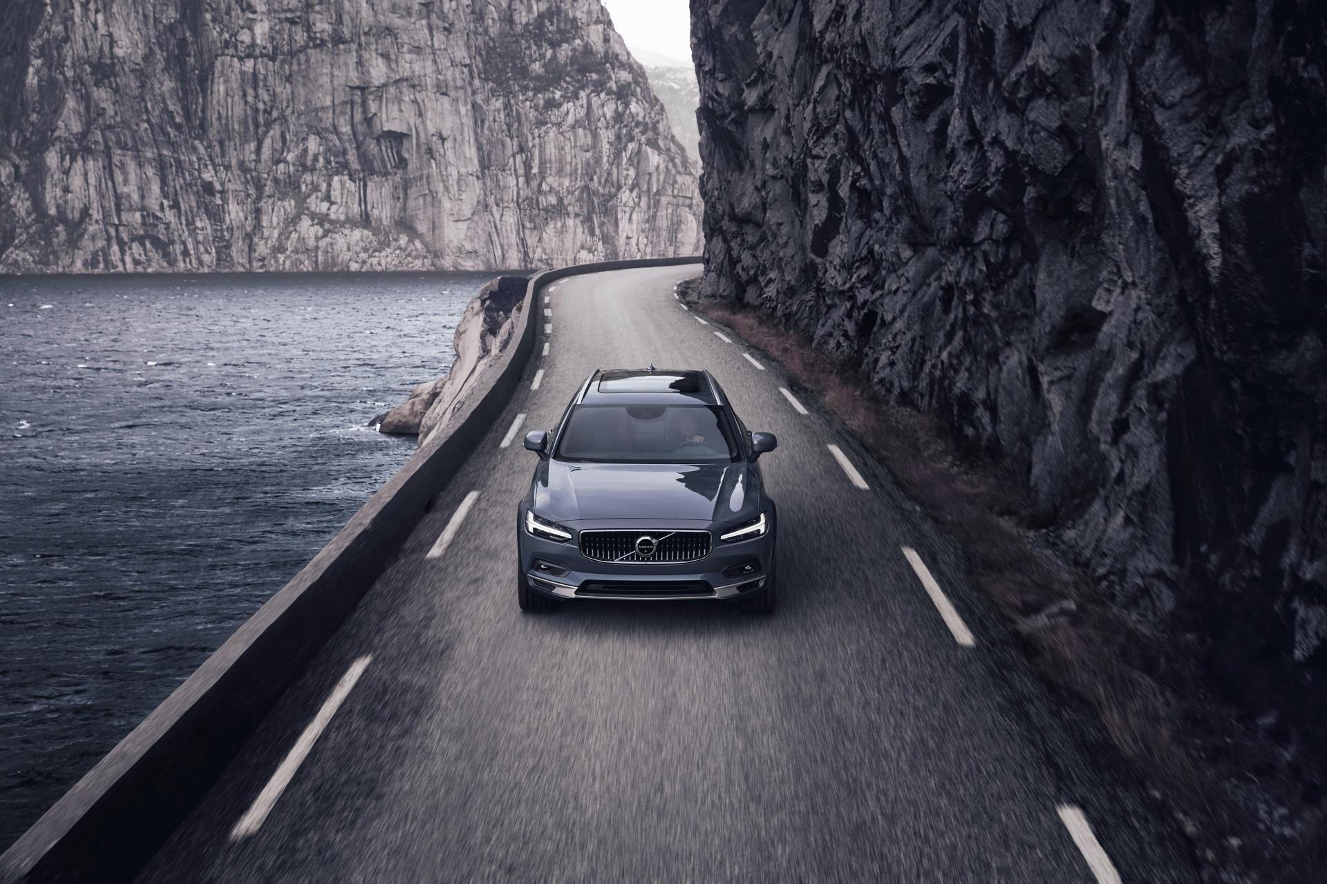 2021-Volvo-S90-V90 (5)