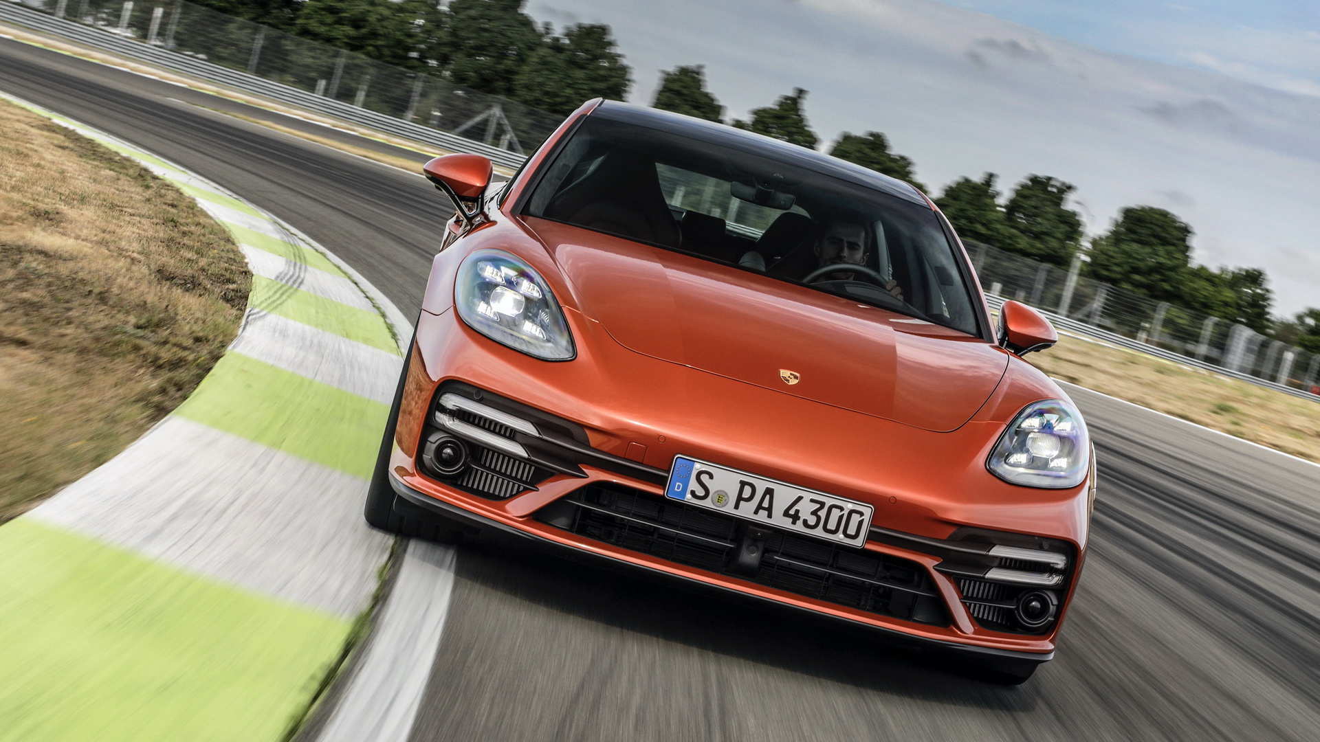 2021-Porsche-Panamera (3)