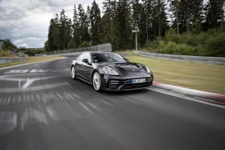 Nova Panamera z najhitrejšim časom na Nürburgringu