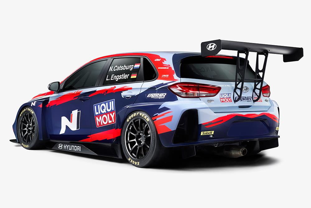 Tekmovalni avtomobil Hyundai z Goodyearovimi pnevmatikami Eagle F1 SuperSport