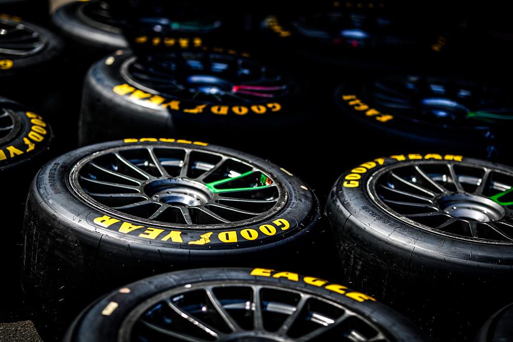 Vse ekipe bodo tekmovale z dirkalnimi pnevmatikami Goodyear Eagle F1 SuperSport