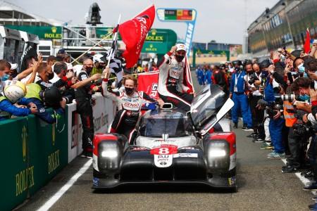 Toyotin Hat-Trick v Le Mansu
