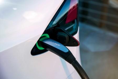 Padec cene proizvodnje električnih vozil