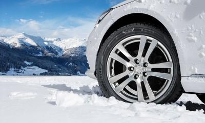 Kako izbrati ustrezne pnevmatike za zimo?