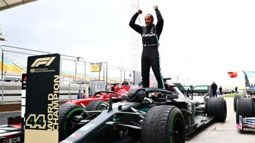 Hamilton z briljantno zmago do 7. naslova