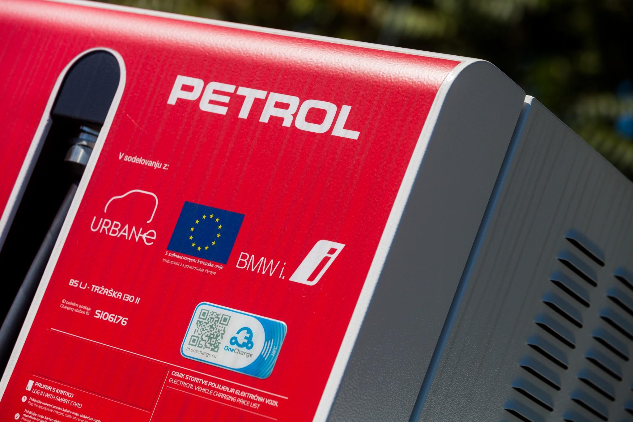 Petrol-veliko-polnilnic-postavlja-partnerji