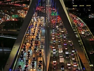 Zastoji na svetovnih cestah so se zmanjšali tudi za 20 %
