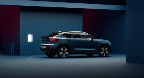 Volvo pričel s proizvodnjo električnega C40 Recharge