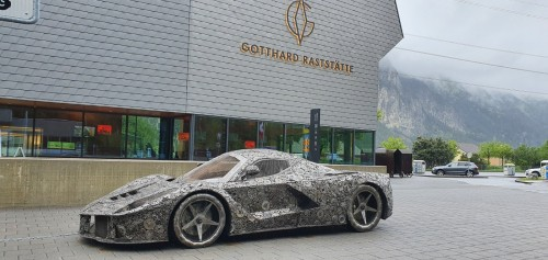 La Ferrari iz kovinskih odpadnih kosov