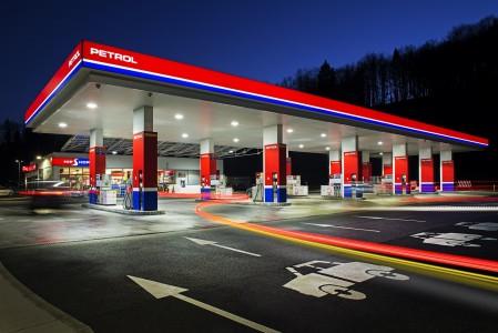 Petrol v novogradnjo AC Barje s partnerjema Marche in McDonald's