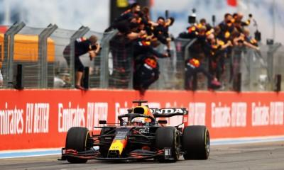 Verstappen na kolena spravil Hamiltona